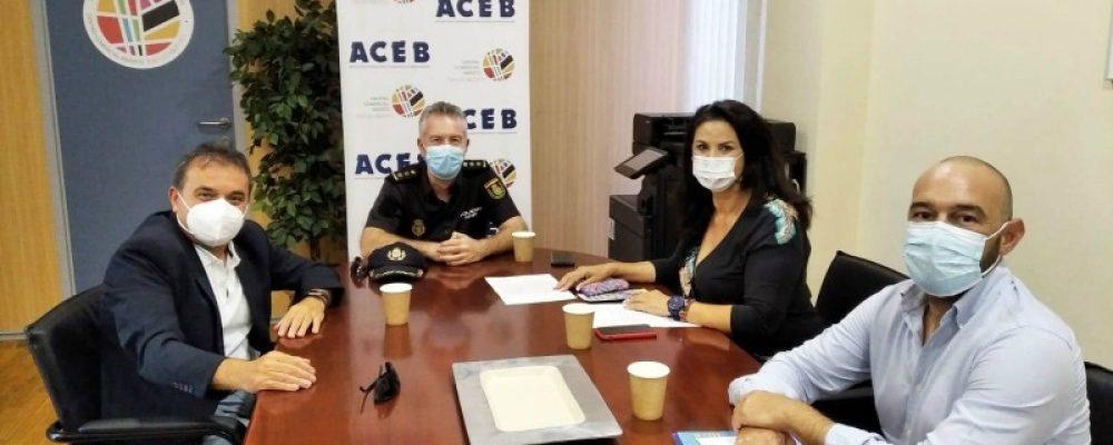LOS RESPONSABLES DE ACEB Y ACCAB MANTIENEN UN ENCUENTRO CON EL COMISARIO DE BENALMÁDENA Y TORREMOLINOS