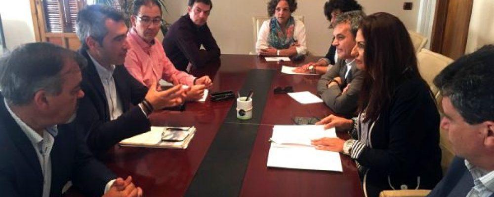 LA ACEB MANTIENE UNA REUNIÓN CON EL ALCALDE PARA ABORDAR DIFERENTES REIVINDICACIONES DEL COLECTIVO EMPRESARIAL